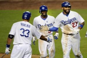 Los Dodgers entregan contratos sin garantía a 15 jugadores