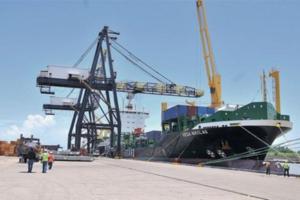 Consolidadores de cargas valoran manejo de Aduanas este año