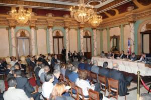 LF encabeza reunión de trabajo con Gobernadores y alcaldes municipales