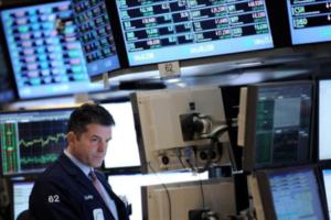 Wall Street abre con un sólido avance del 2.04% su primera sesión de 2012