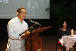 """Ponen a circular obra """"Compadre Padre Juan"""" en Moca"""