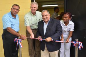 Indotel instala sala digital en escuela Los Manantiales de Verón