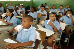 Desayuno estará desde este lunes en centros educativos de RD