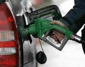Gasoil óptimo sube, otros tres combustibles bajan y demás carburantes siguen sin variación