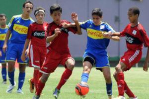 El fútbol se abre espacio en la simpatía de los dominicanos