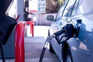 Bajan precios combustibles; Gas Natural sigue igual