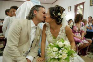 El actor Frank Perozo y la empresaria Dominique Colussi se casan en Bayahíbe