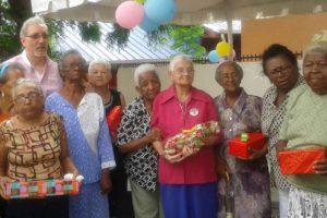 Hogar para Envejecíentes realiza agasajo por pasado Día de las Madres