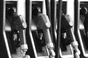 Combustibles bajarán entre RD$1.00 y RD$3.00; el avtur y kerosene subirá, y gasoil óptimo, GLP y Gas Natural siguen igual