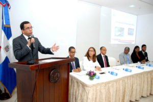 Navarro asegura en  educación trabajan para mayor transparencia de  recursos públicos