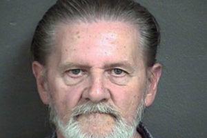 Hombre roba banco para alejarse de esposa y recibe sentencia inesperada