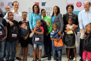 Más de 69 mil estudiantes reciben útiles escolares de parte del Despacho Primera Dama