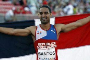 """""""Soy un hombre luchador y como puedes ver aquí estoy"""", dice Luguelín Santos en Londres"""