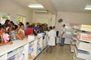 Dominicanos se ahorran más de RD$3,000 millones en compra medicamentos en seis meses de 2017
