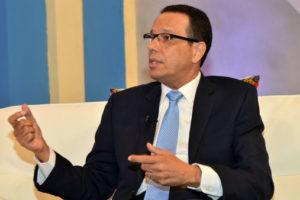 Director de general de Promese/CAL recorre hospitales garantizando abastecimiento de medicamentos