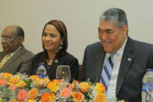 Círculo de Locutores Dominicanos gradúa 100 locutores en diplomado de Integración Regional