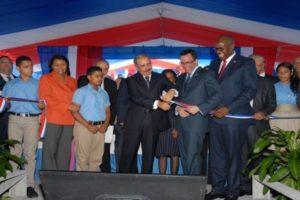 Medina entrega dos centros educativos construidos por más de RD$91 millones en Santo Domingo Este