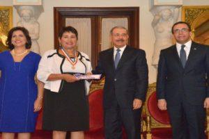 Andrés Navarro reitera compromiso con el bienestar magisterial y el fortalecimiento de la carrera docente