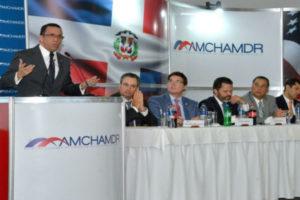 Navarro aboga por más apoyo del empresariado y la nación para impulsar la Revolución Educativa