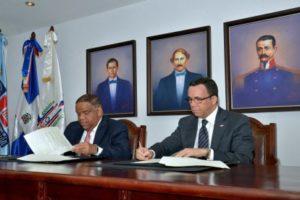 Andrés Navarro firma acuerdo para el fomento y desarrollo del deporte en las escuelas