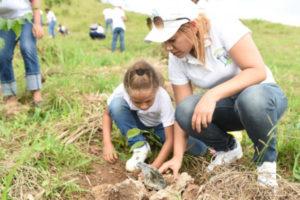 Voluntariado Bancentraliano realiza décima jornada de reforestación en el río Ozama