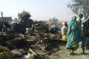 Al menos 50 muertos en campo de desplazados de Nigeria por un bombardeo accidental