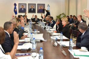Navarro logra Consejo de Educación apruebe reglamento