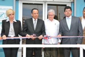 Promese/CAL inaugura nuevas Farmacias del Pueblo