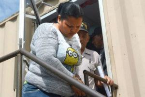 """Envían a prisión mujer apodada """"la Reina del Sur"""" por asesinato de agente en Los Guaricanos"""