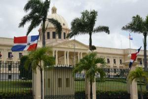 Presidente Medina congratula a exaltados Salón de la Fama de las Artes Marciales de RD