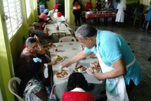 DGDC celebra 25 años Almorzando con Pacientes del Leprocomio de Nigua