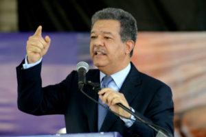 Leonel Antonio Fernández Reyna recibe felicitaciones por cumplir hoy 64 años