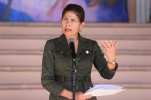 Hermana del presidente de Honduras y otras cinco personas mueren accidente helicóptero