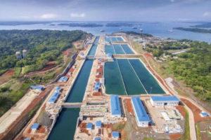 La UE aprueba sacar a Panamá y siete países de su lista de paraísos fiscales