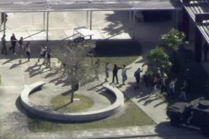Un tiroteo deja entre 20 y 50 heridos en escuela de Florida, EEUU